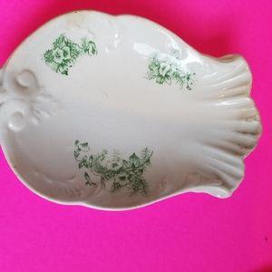 Vintage sea shell shaped trinket dish?